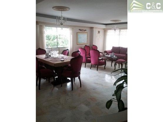 Apartamento en Venta en Laureles 2000-440