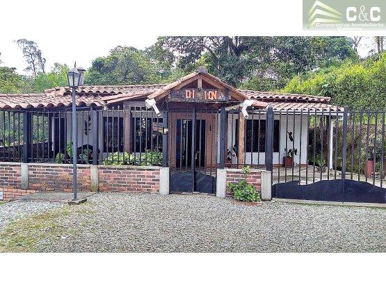 Chalet en Venta en Chaguala 3415