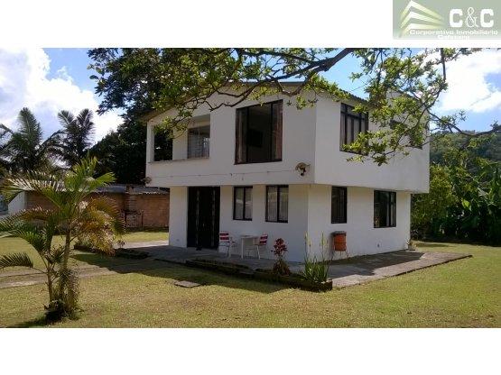 Casa campestre en renta vía Salento 9221