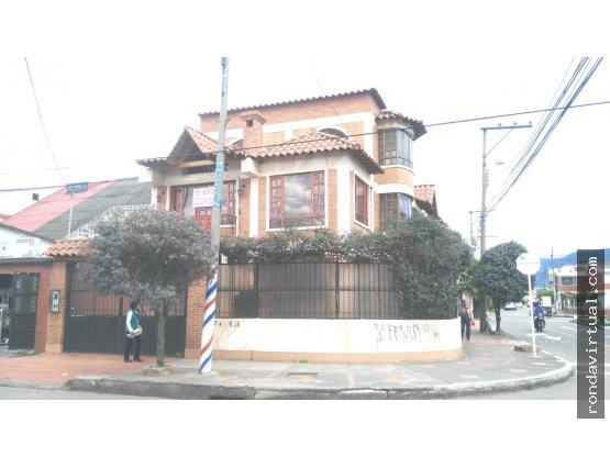 Vendo casa esquinera sector Ciudad Montes