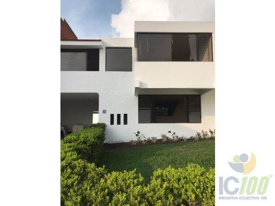Casa con jardín amplio en San Lázaro, Zona 15