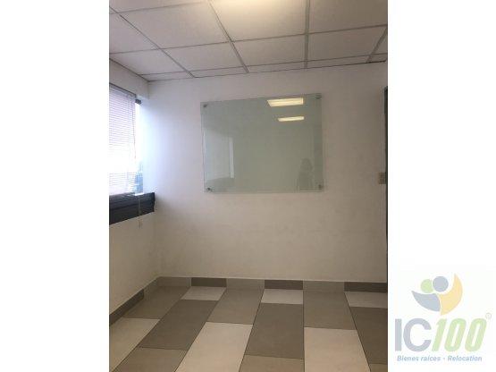 Rento Oficinas Edif. Torino I, Zona 10 Guatemala