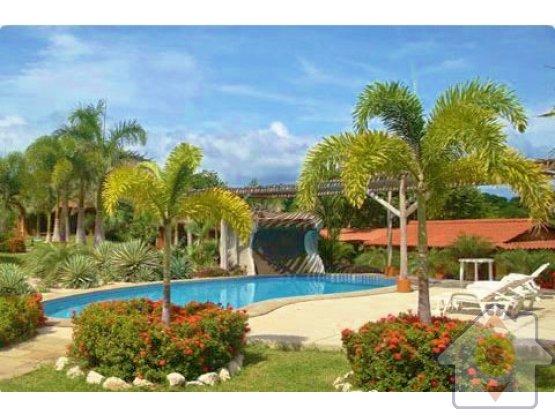 Hermosa casa con extras en Playa Junquillal