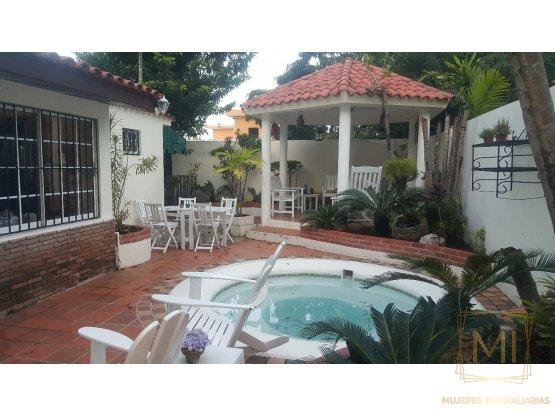 Vendo Casa en Arroyo Hondo Viejo
