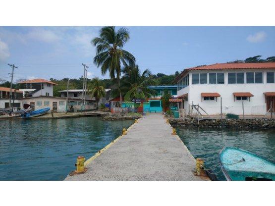 Isla Grande OFERTA casa remodelada con jardin AMB*