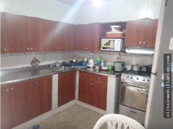 Amplia Casa en Venta en El Salvador Medellin