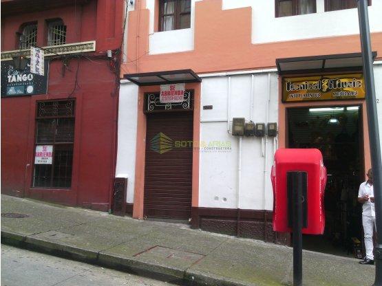 Se Arrienda local en la calle del tango centro