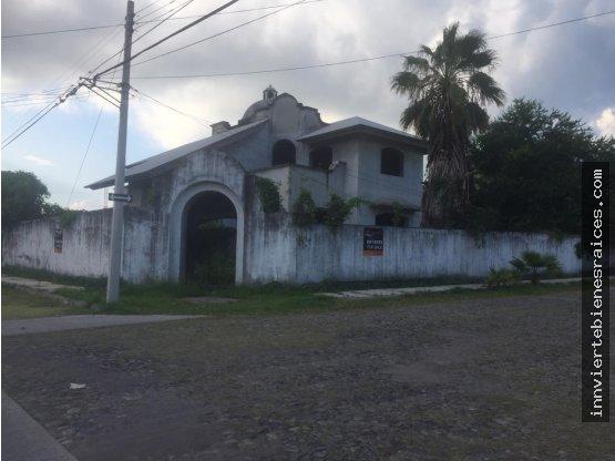 CASA A UNA CUADRA DEL HOSPITAL PUERTA DE HIERRO