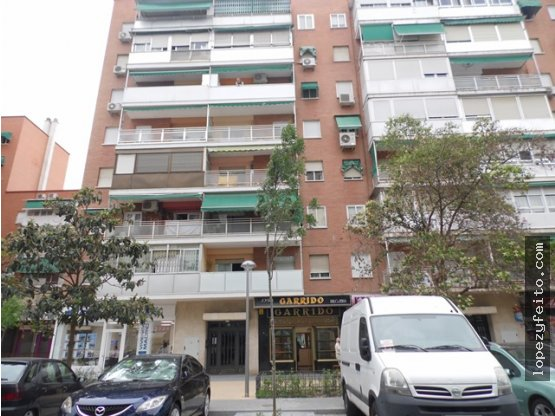 Local en venta Los Ángeles (Villaverde), Madrid