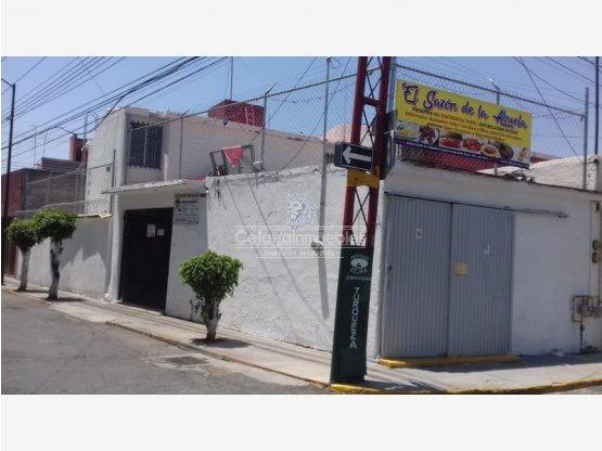 Casa en Celaya Col. La Joya, cerca TELMEX