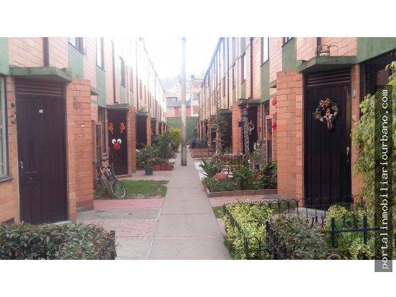 Casa en venta en el barrio La Estancia, Bogota.