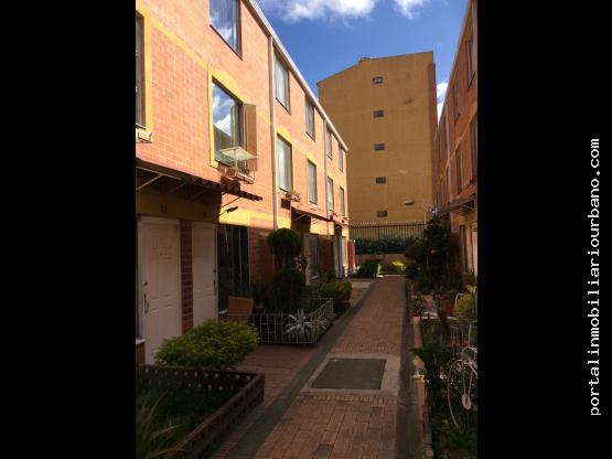 Hermosa casa en venta, barrios Boita Bogota