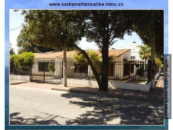 Casa en venta dentro de Santa Marta