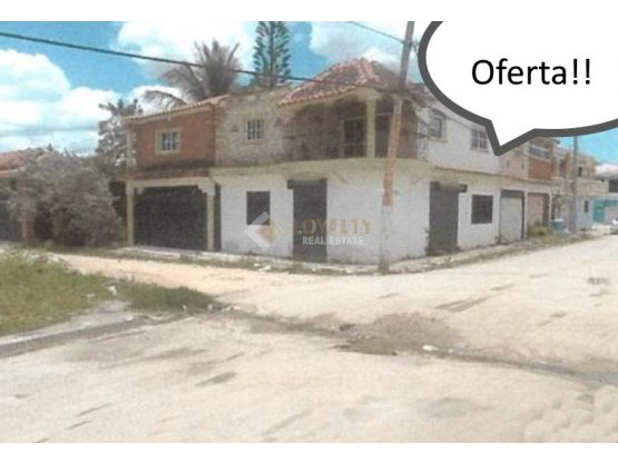 LHS-031-11-18, Vendo Amplia Casa en Higuey