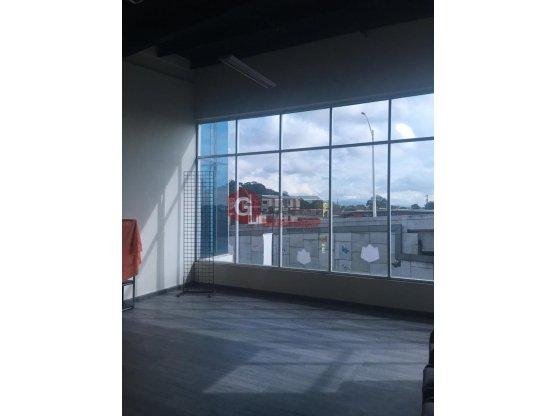 LOCAL / PARQUE LEFEVRE / 1 B / +20 E / 65 m2