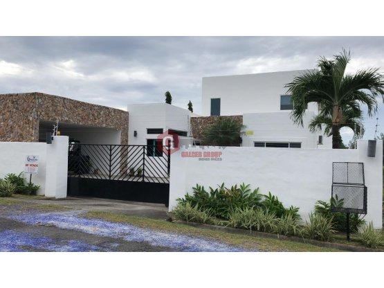 CORONADO / 580 m2 CONST. / 800 DE TERRENO / 5 REC