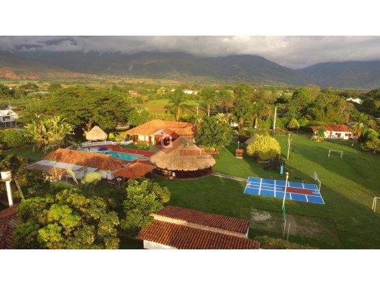 COLOMBIA / SANTA ELENA / FINCA DE 12.800 m2