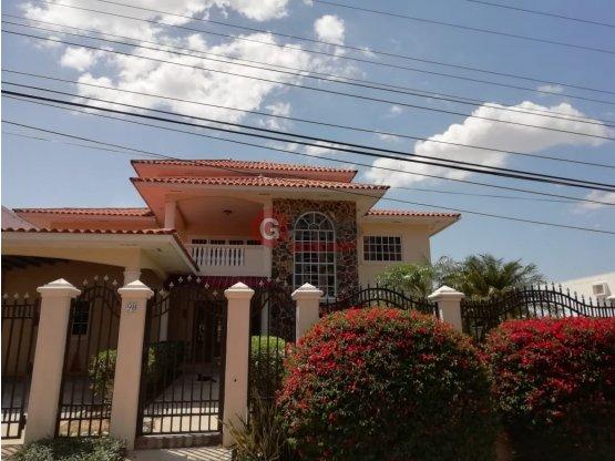 CORONADO/ 2 PLANTAS / 368 m2 1200 TERRENO / 5 REC