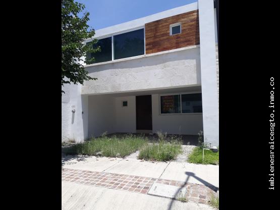 Casa en Renta en Mayorazgo Residencial