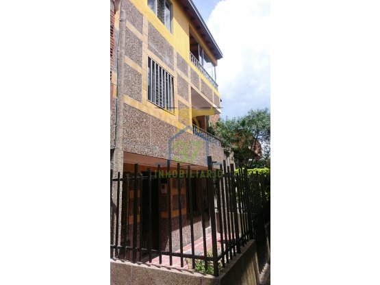 Vendo casa en Guayabal
