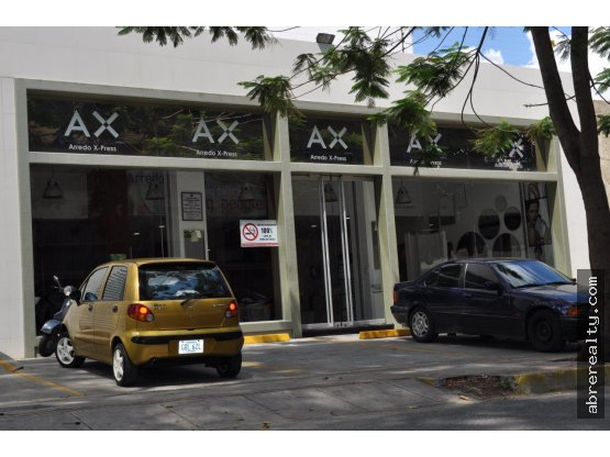 Se Vende Espectacular local en Las Mercedes