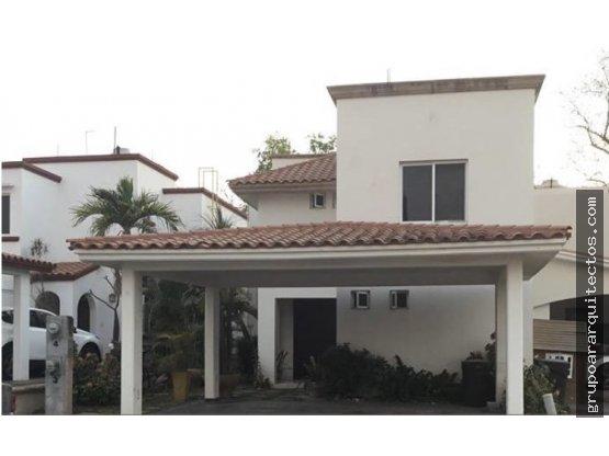 venta casa en frente de country club