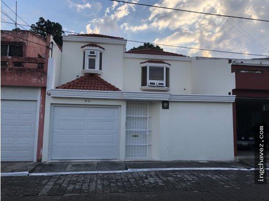 Casa en Residenciales San Carlos Zona 16