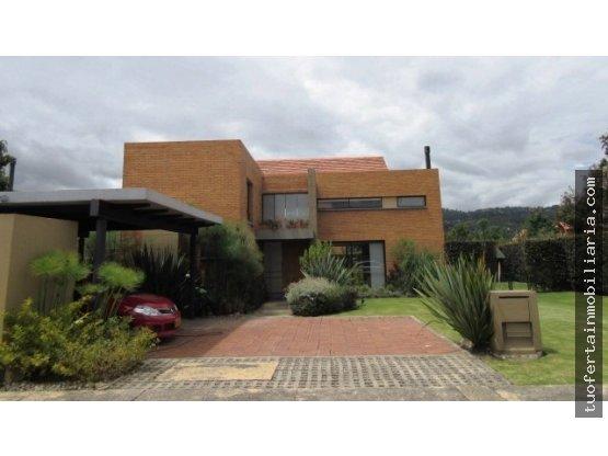 Se arrienda casa tipo T en Hacienda Fontanar