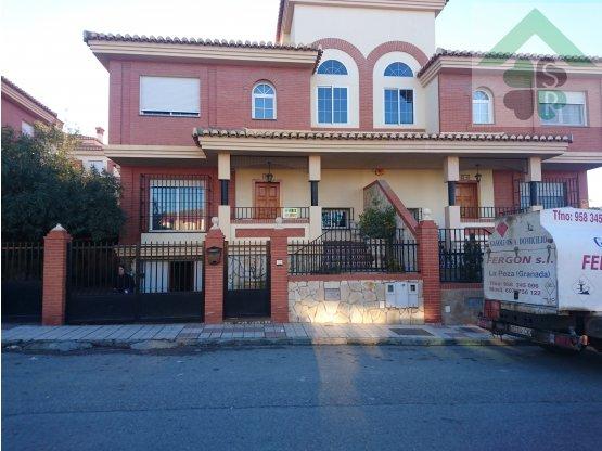 Casa en venta en Guadix, Granada