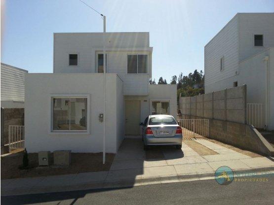 Se arrienda hermosa casa estilo mediterránea