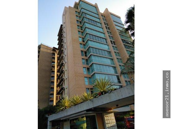 Apartamento ejecutivo en Premier Esmeralda