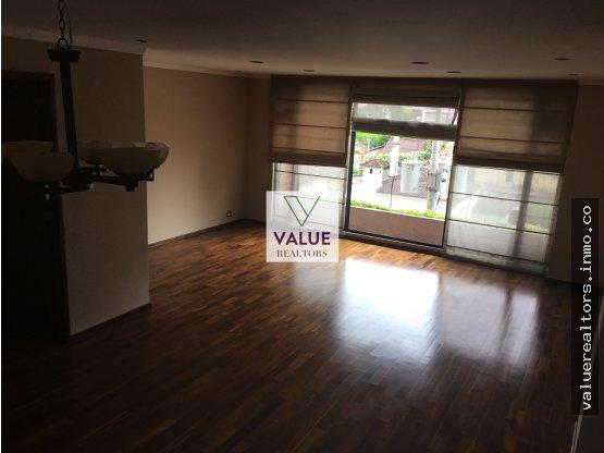 Apartamento con acabados de lujo