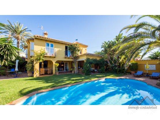 Villa - Chalet en venta y alquiler Marbella