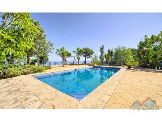 Villa - Chalet en venta en Estepona