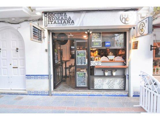 Bar de 1 dormitorio en Fuengirola