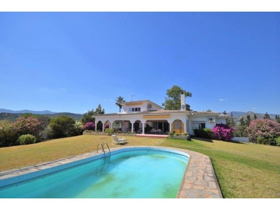 Villa individuelle de 4 chambres à Estepona