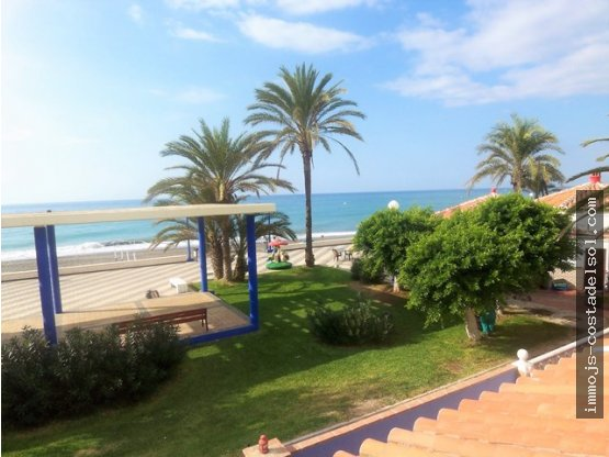 Casa primera línea de la playa,120m² Torrox Costa