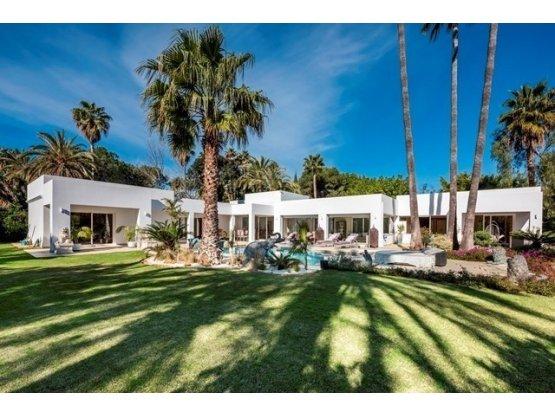 Villa individuelle avec 5 chambres à El Paraiso