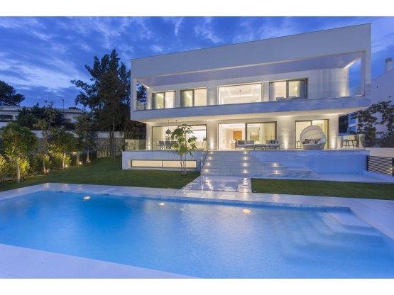Villa Independiente 4 Habitaciones Guadalmina Baja