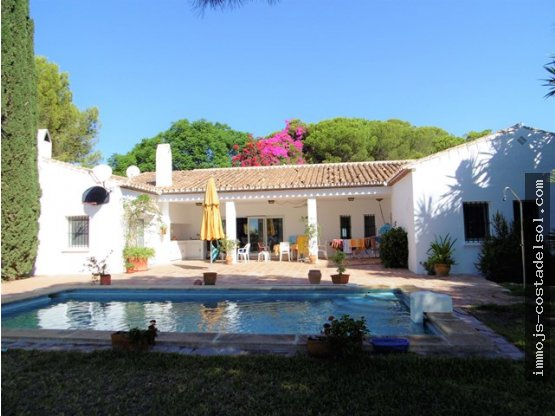 Villa moderna, 210 m2, 10.000 m2 en Almayate