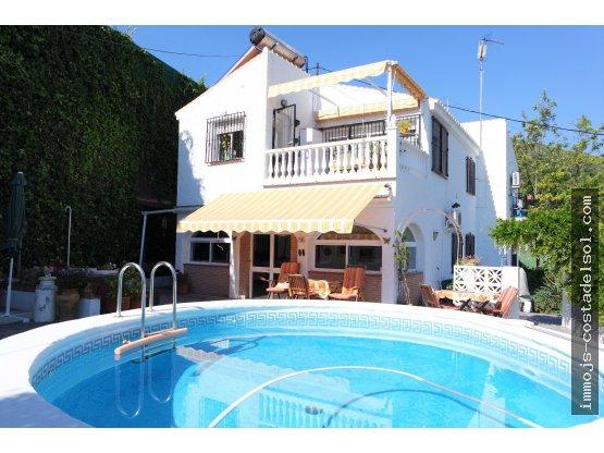 Bonita casa 150 m2, parcela de 800 m2 en Almayate