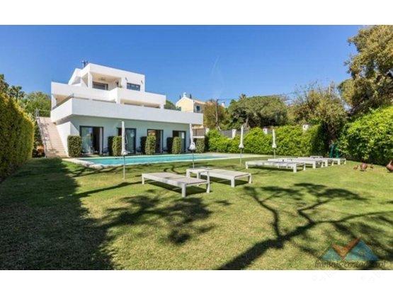 Villa - Chalet en venta en Elviria