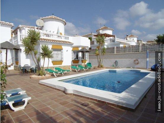 Hermosa villa familiar en Niza Beach, 254 m2