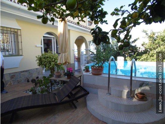 Hermosa casa individual 150 m2 Torrox