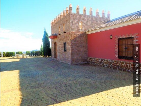 chalet en Sedella 180 m2 de vivienda