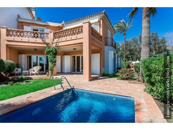 Villa fabuleuse et très privée sur la plage !!!