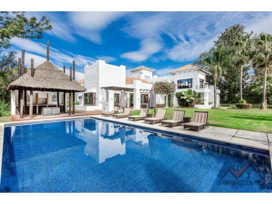 Villa de lujo en la playa de Guadalmina Baja