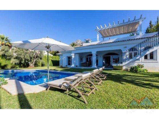 Villa - Chalet venta o alquiler en Sierra Blanca