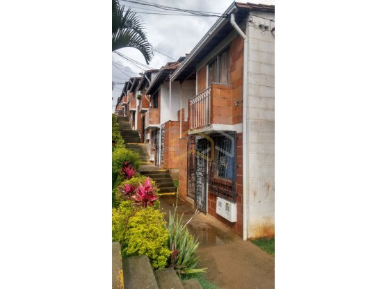 Arriendo apartamento en Niquia