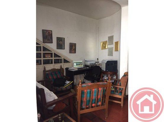 Venta  casa 2 pisos, Buenos Aires, Medellín